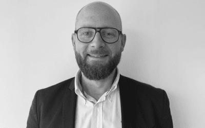 Portrait de Julien Allart, dirigeant chez Acceo